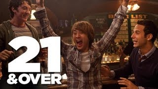 21 & Over Bande-annonce VO